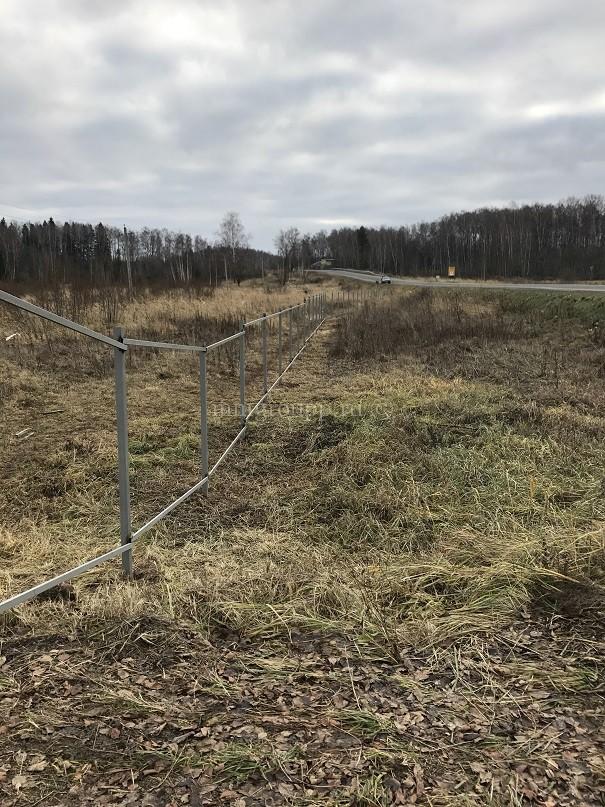 Общий забор вдоль автомагистрали - Березки 3